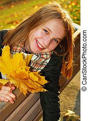 dziewczyna, liście, klon