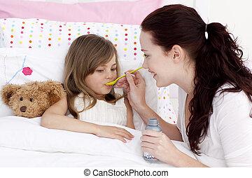 dziewczyna, mały, syrop, wpływy, łóżko