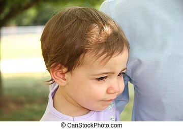 dziewczyna niemowlęcia, nieszczęśliwy