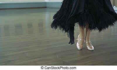 dziewczyna, nogi, sala balowa, taniec., 4k