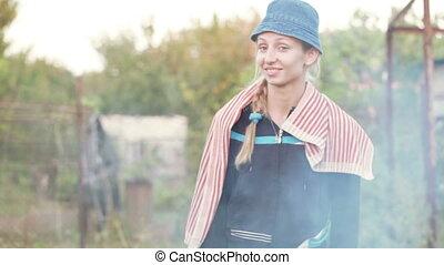 dziewczyna, piknik, dym