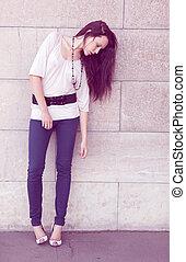 dziewczyna, przedstawianie, fason, ulica, długość, pełny
