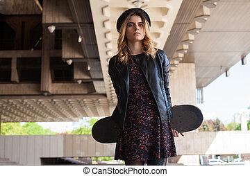 dziewczyna, skateboard