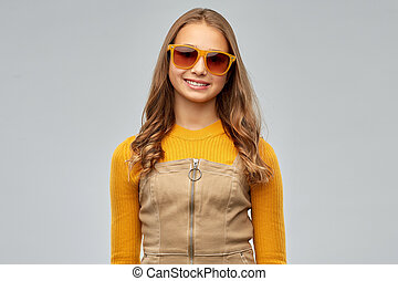 dziewczyna, sunglasses, teenage, uśmiechanie się, młody