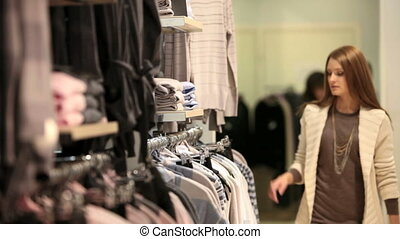 dziewczyna, wybierając, odzież