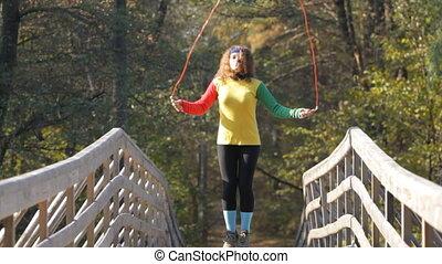 dziewczyna, związać, skaczący