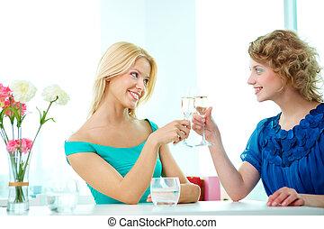 dziewczyny, toasting