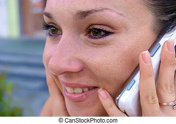 dzwonić rozmowie