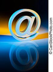 e-mail, communication., characters., ligne