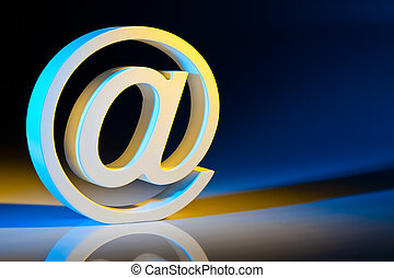 e-mail, communications., characters., ligne
