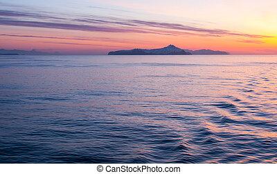 Early morning light on the ocean