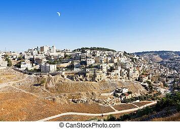 East Jerusalem under the Crescent Moon