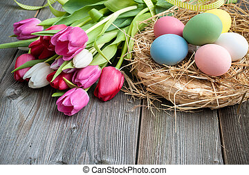 easter ikra, noha, tulipánok