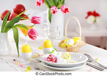 Place seeting for Easter in fresh colors