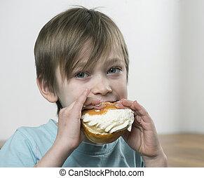 Eating cream bun