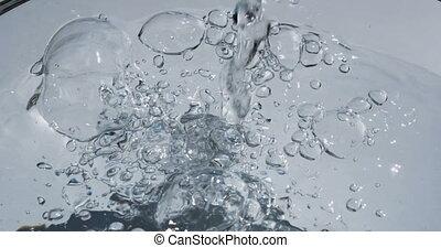 eau bleue, éclaboussure