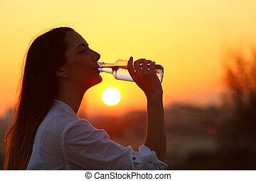 eau, boire, femme, rétroéclairage, bouteille