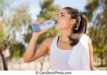 eau, boire, latin, brunette