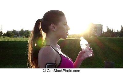 eau, femme, après, mouvement, lent, fitness, boire, run.