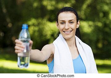 eau, femme, jeune, bouteille