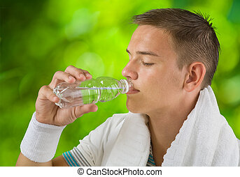 eau, garçon, buvant bouteille