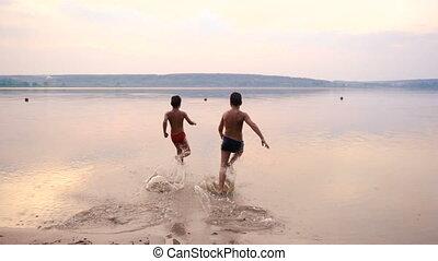 eau, garçons, courant, silhouette, deux