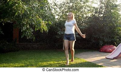 eau, lent, jardin, danse, jeune, longs cheveux, femme,...