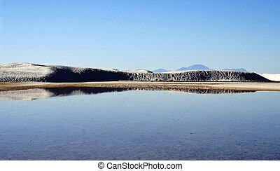 eau, montagnes, sable, reflet