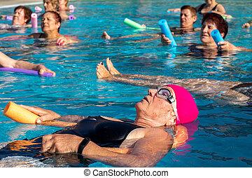 eau, personne âgée femme, après, piscine, gymnase, class., délassant
