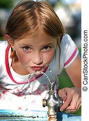 eau, peu, fontaine, boire, girl