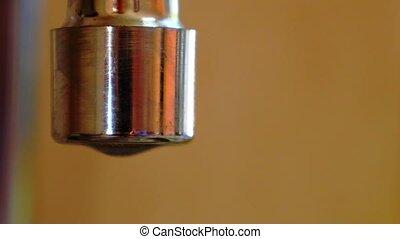 eau, tap., leakage