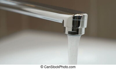 eau, verser, robinet, couler, chrome-plaqué