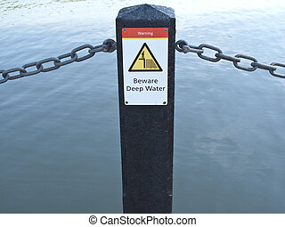 eau, warning-beware, profond, signe