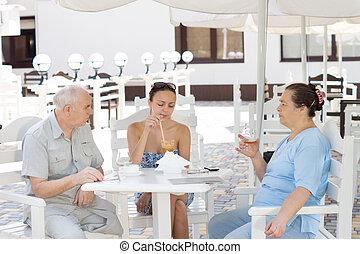 ebédelő, lány, szülők, öregedő, -eik