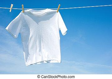 ebene, weißes t-shirt, auf, a, wäscheleine
