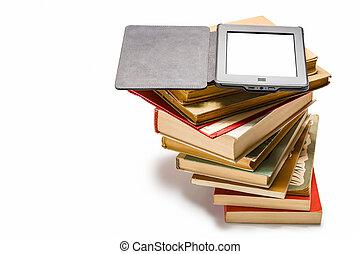 ebook, ligado, pilha, de, livros velhos, isolado, branco,...