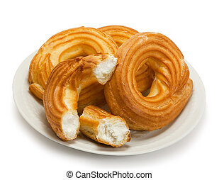 Eclair in the form of a ring