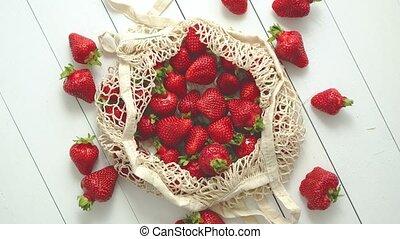 eco-amical, paquet, frais, arrière-plan., fraises, bois, ...