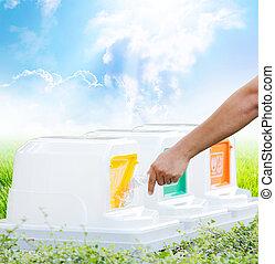 ecología, lanzamiento, concepto, macho, plástico, basura, botella, reciclar, mano, vacío