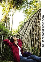 ecotourism:, vrouw ontspannend, in, de, rainforest