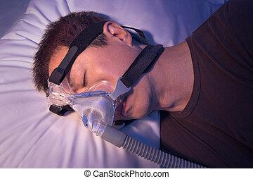 edad media, hombre asiático, con, sueño, apnea, sueño, utilizar, cpap, máquina