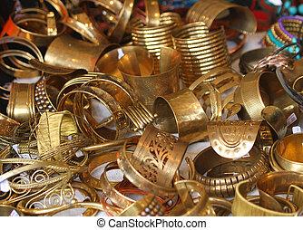edelstenen, kostbaar, juwelen, goud, verkoop