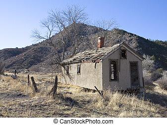 edificio abandonado