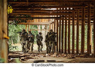 edificio, guardabosques, fuerza, stormed