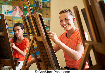 education, dans, arts, à, heureux, étudiant, sourire, et,...
