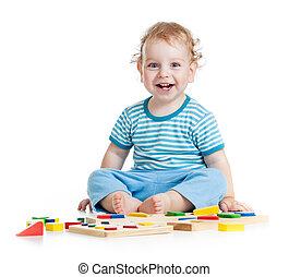 educativo, niño, aislado, juguetes, blanco, juego, feliz