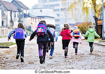 eduquer filles, courir loin