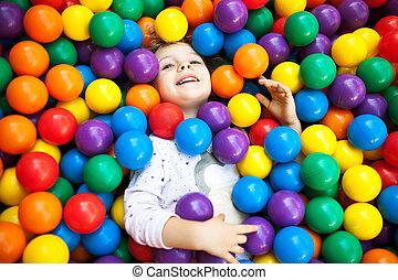 een, jonge, blonde , meisje, kind, hebbend plezier, spelend,...