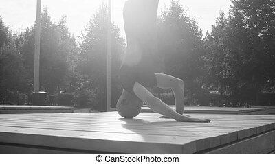 een, man, doen, headstand, in het park