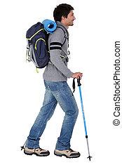 een, man, gereed, voor, backpacking, in, bergen